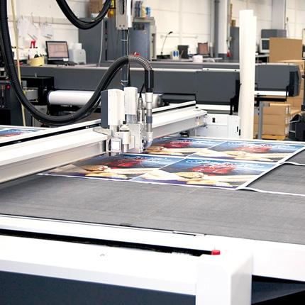 Luminatore-Digitaldruck-Konfektionsbereich-Zuschnitt-02